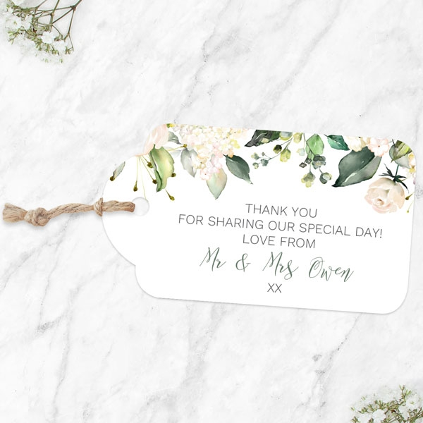 white-flower-garland-favour-tags