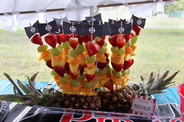 Plan a Pirate Party! - Catch My Party - Fruit Skewers